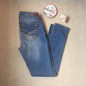 Wallflower Curvy Straight Lee Jeans
